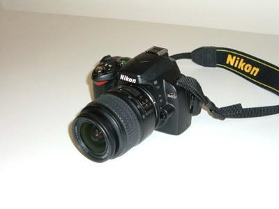94 Nikon D40 SLR