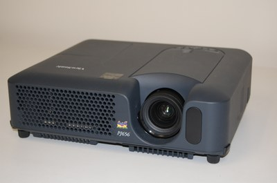96 View Sonic P1656 projector (tag 175372) 2 cables and remote