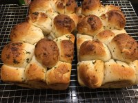 These pull-apart garlic bubble loaves are a tasty treat. (NDSU photo)