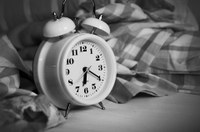 Do your best to stick to a sleep schedule, even on weekends. (Photo courtesy of congerdesign/ Pixabay)