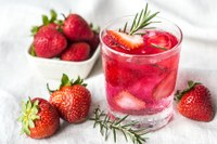 If plain water is kind of boring, try infusing it with fruit and/or herbs. (Photo courtesy of Pixabay)