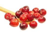 Cranberries are readily available during the holiday season and can make a tasty salsa. (Photo courtesy of Pixabay)