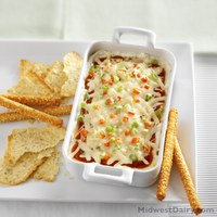 This pizza dip makes a tasty, easy-to-make snack. (Photo courtesy of the Midwest Dairy Council)