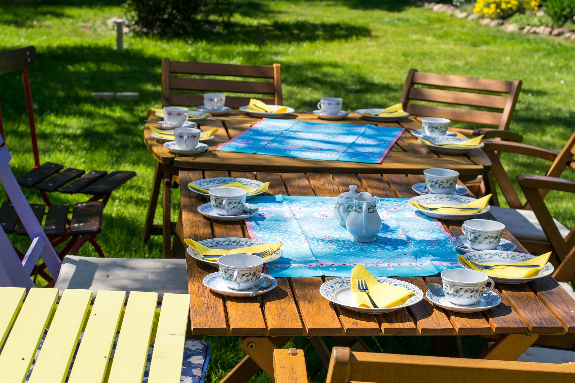 Keep food safety in mind when planning outdoor parties. (Photo courtesy of Pixabay)