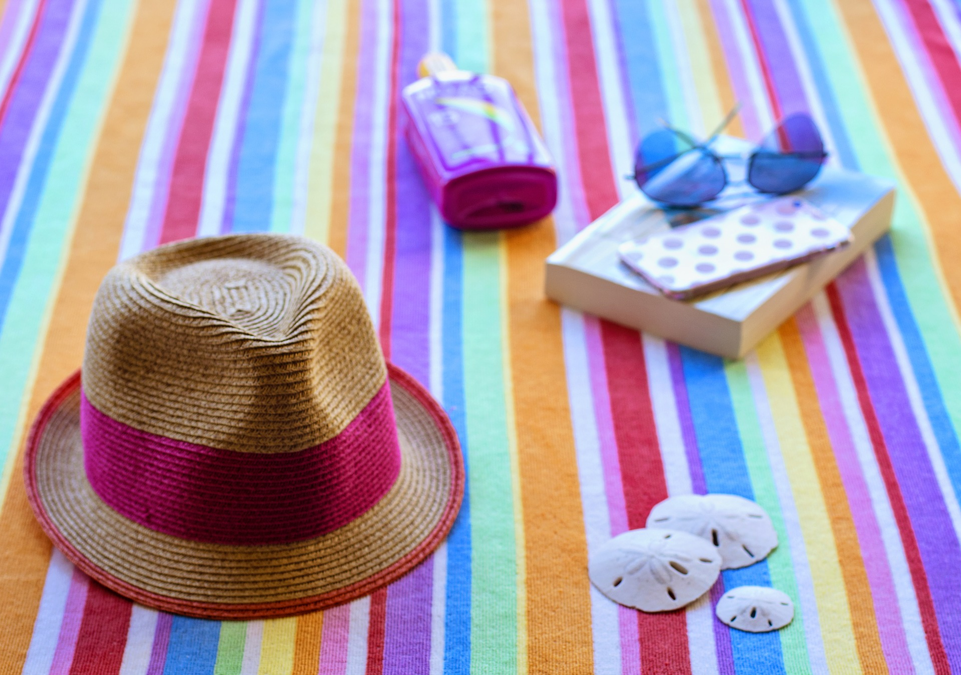 Be a trend setter and protect your face, ears and neck with a hat with a wide brim. (Photo courtesy of Pixabay)