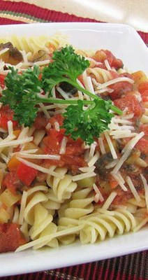 Pasta With Creamy Tomato and Vegetable Sauce