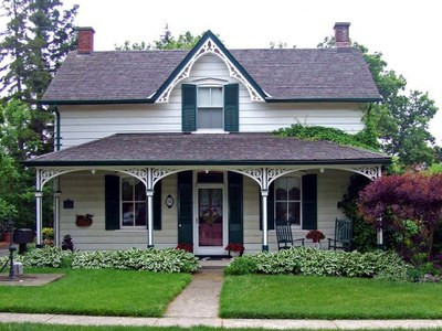 Front yard of Victorian home