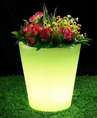 Solar illuminated pot